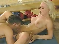 Perverse Blonde Chica With A First-class Cunt Gets It On With A Boxer
