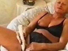 European Chick Gets Creampied