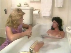 Hot retro girls eating pussy in bath