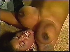 Ebony Ayes Bounces her Boobs
