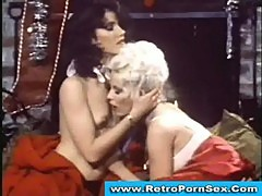 Seka licking brunette gf's pussy in 1970s retro porn movie